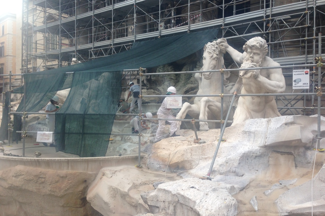 the trevi fountain, in none of itsglory