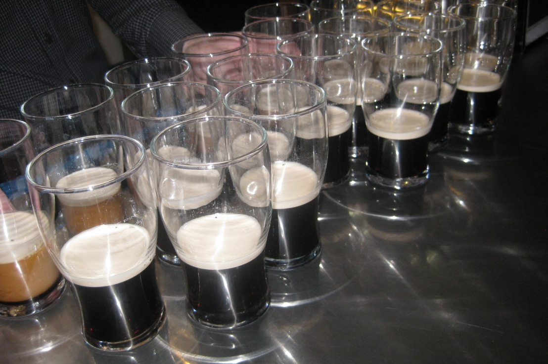 how to pour the perfect pint ofguinness