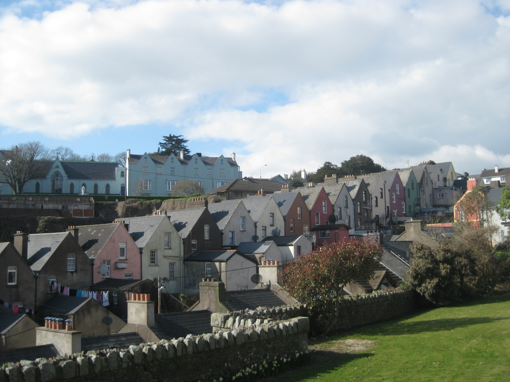 Not sure why, but these houses remind me of Full House!