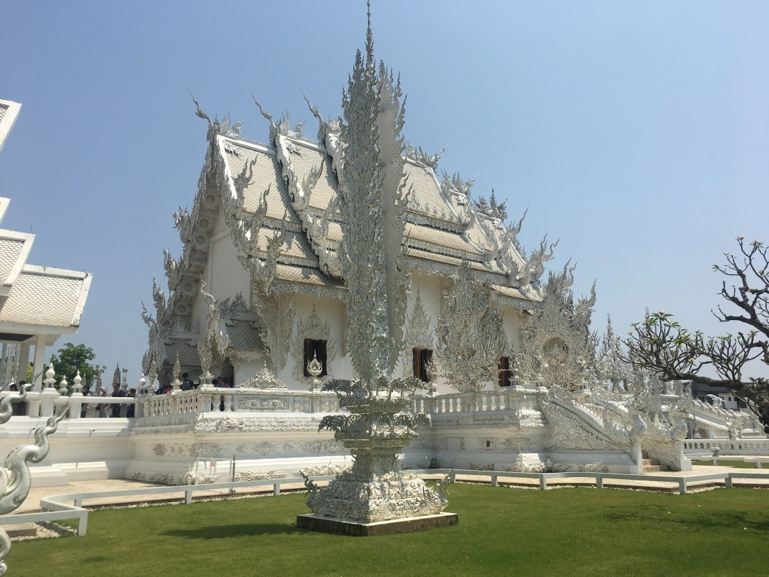 Thawee Hot Springs:White Temple:Wat Chedi Luang:Golden Triangle 56