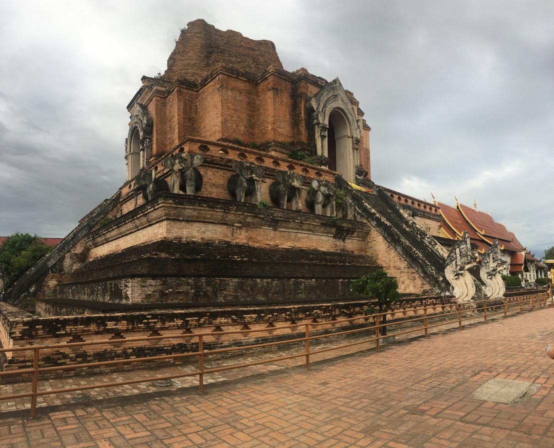 Wat Chedi Luang 10