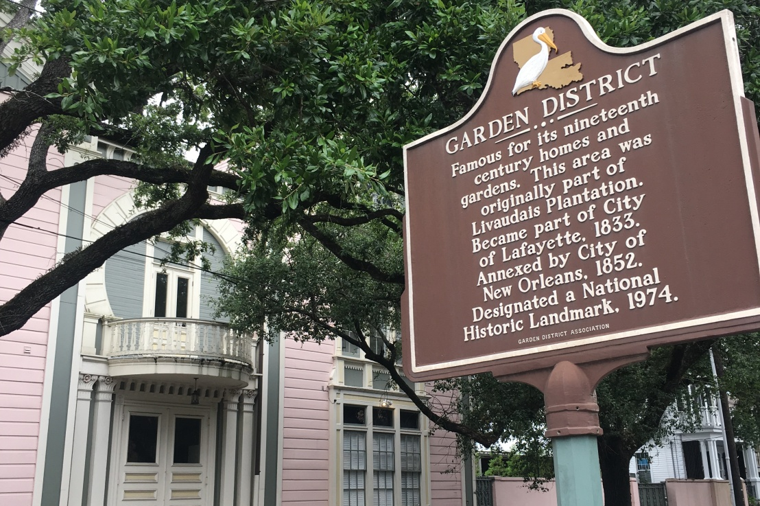 how to be a tourist in neworleans