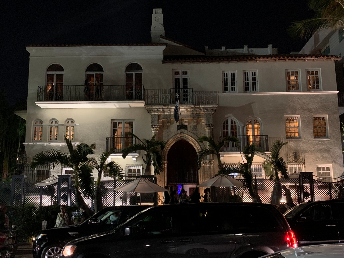 Playa Cafe:Versace's Mansion 7